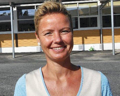 Ingunn Lund er inne i sitt tredje år som rektor ved Vegårshei Skule. Nå har hun søkt jobben som leder av PP-tjenesten i Risør.