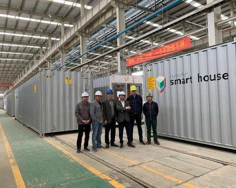 Fabrikken i Kina der modulene i containerstørrelse produseres.
