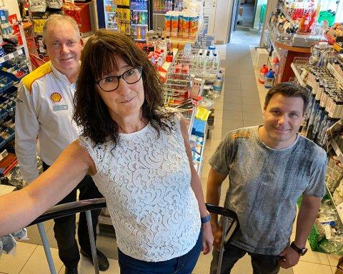 Gode medarbeidere: Nysjefen Anne Mette Finvik er glad for at hun har fått med seg Arnfinn Vangen (t.v.) og Jøran Mathisen i ledelsen for Stoklands AS.
