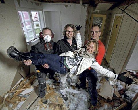 Andreas Nygaard, Einar Nilsson, Kjersti Bergesen og Gunnar Fjellestad er oppusserne i «Tid for hjem». Tirsdag kveld sendte de sin 100. episode.