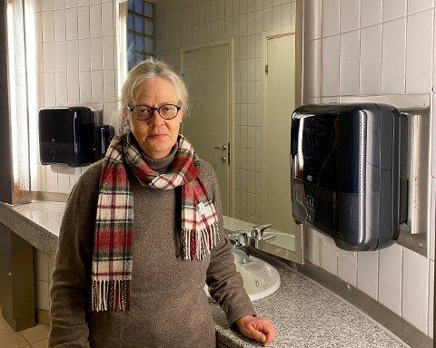 SPARER: Rådgiver for renhold i Lillestrøm Kommune, Tone Dalby Nygaard, forteller at sensorene er et tiltak som sparer miljøet.