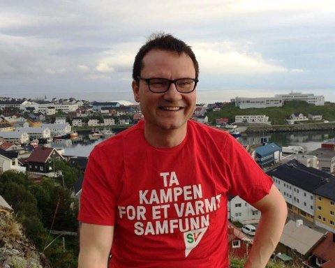 MED HENSYN TIL ULYKKEN: Ordførerkandidat Jan Olsen og Nordkapp SV tar pause i valgkampen.