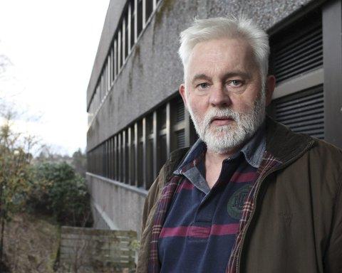 KOMMUNELEGE: Jan Helge Dale kom saman med rådmannsgruppa for å legge ein plan.