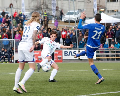 Henrik Udahl  scorer i cupkamp for Vålerenga.