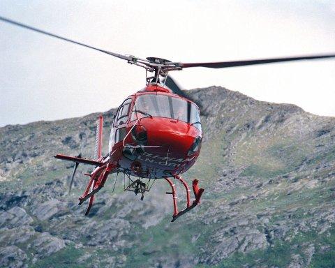 FÅR TROLIG FLY: ER kommunestyret enig med hovedutvalg for plan og utvikling i Narvik, får turistforeningen tillatelse til å lande inntil 300 ganger i fjellheimen med helikopter de kommende fem årene. Dette bildet er tatt i en annen sammenheng.Illustrasjonsfoto: Ragnar Bøifot