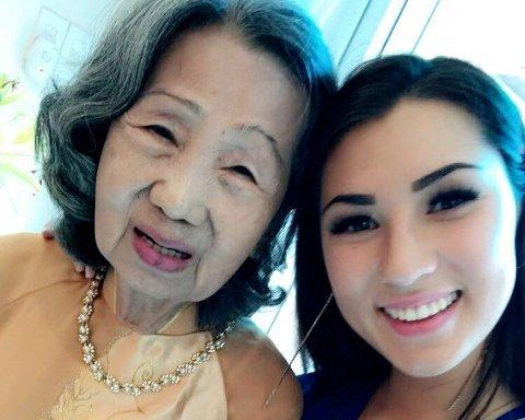 BESTEMOR: Kaja og bestemor.