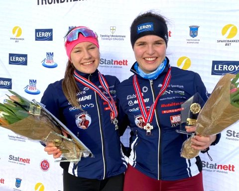 OVERRASKELSENE: Aurora Løvås (til venstre) sjokkerte alle med å bli nummer to i sprint-NM for juniorer, og Gina Engebråten gjorde et mesterlig comeback ved å bli nummer tre.