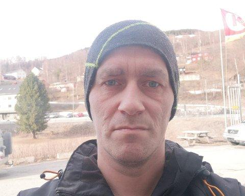 Sverre Hofstad fra Øyer er ikke bekymret for koronaviruset. – Det skjærer litt i hjertet når det blir gjennomført tvangstiltak, sier han.