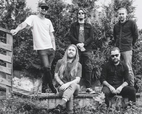 SAVNER LIVET PÅ VEIEN: Dunderbeist håper at det snart skal bli mulig å spille skikkelige konserter igjen og ventetida har de blant annet brukt til å ferdigstille albumet «Uro» som kommer 16. april.