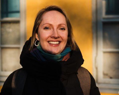 Hilde Restad sier til Mitt Hammerfest at hun gleder seg til den 21. januar - og til når hun slipper å kommentere Trump på norsk TV.