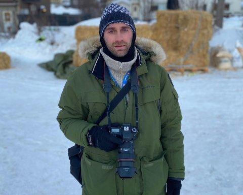 HVER VINTER: Helt siden han kom nord for 15 år, har hundekjøring vært en stor del av Peter (40) sitt liv. Hver vinter fotograferer han løp.