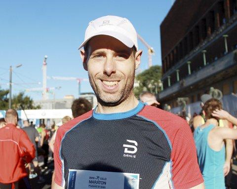 SLITER: Terje Wad-Gylterud hadde god grunn til å være fornøyd etter at han hadde fullført Oslo Maraton igjen. For tiende gang. Foto: Svein Halvor Moe