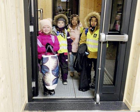 De første: Mandag 4. januar åpnet de nye skolelokalene til Montessorielevene. Foto: Carsten Holm Tobiassen