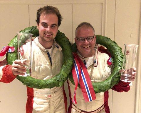 GLADE GUTTER: Kartleser Kristian e. Hvambsal og Mats Peder Hvambsahl feirer NM-gullet i rally.FOTO: PRIVAT