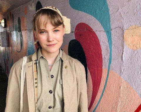 Engasjert: Når Erika Melhus ikke er på Lier videregående skole går det meste av tiden til å engasjere seg politisk.
