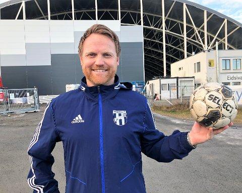 HÅPER: Tommy Gjestvang Svendsen og Reinsvoll IF har alle planer for vinterserien i fotball klare, og håper koronasituasjonen gjør det mulig å gjennomføre sårt tiltrengt kampaktivitet kommende vinter.