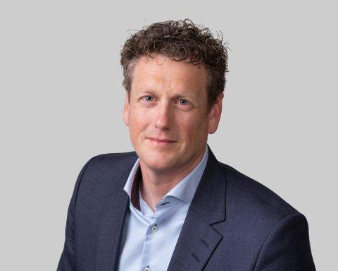 MERKER PANDEMIEN: Morten Mobråthen er regionleder i Ernst & Young i Vestfold. Han forteller at slitasjen blant de ansatte begynner å bli stor etter over ett år på hjemmekontor, og derfor ønske selskapet å gi noe tilbake.