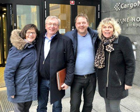 GLEDER SEG: Festivalsjef Eli Riset (fra venstre), Gunnar Nagell Dahl og Nils-Henning Nesje i Chefs Dinner Norge og daglig leder Mali Hagen Røe, Hedmark Kunnskapspark.