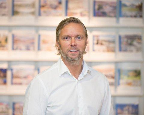 Gisle Kallestad ved Eiendomsmegler 1 tror på fortsatt moderat prisvekst i boligmarkedet i Mo i Rana.