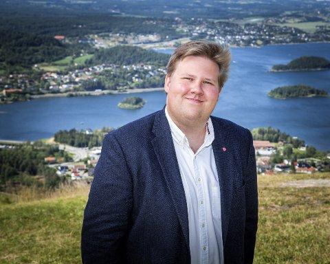 VIL FÅ OSS TIL Å LØFTE BLIKKET: Jørn-Inge Andreassen Frøshaug er nyvalgt leder i Europabevegelsen Buskerud, og mener vi har godt av å få mer innsikt i hvordan norsk økonomi er avhengig av et samlet Europa.
