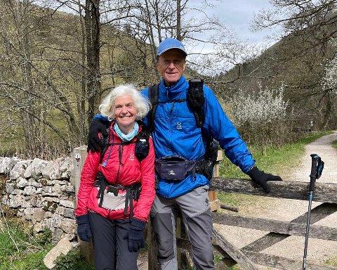 REIST VERDEN RUNDT: Gjennom et 53 år langt ekteskap har Diana og Stein Hoff reist verden rundt for å fange de fine opplevelsene. Denne gangen var det Dianas hjemland som skulle utforskes,