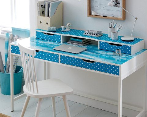 Med folie er det enkelt å få et personlig skrivebord.