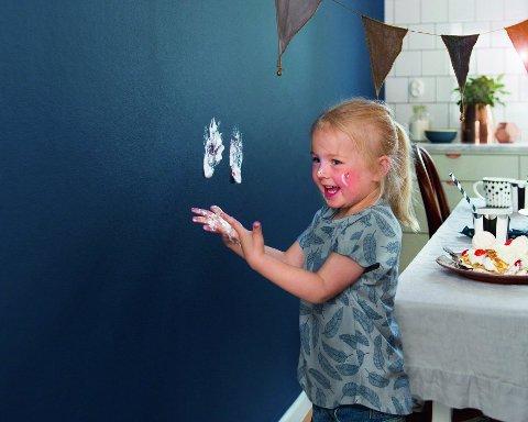 Et praktisk innrettet hjem med rengjøringsvennlige flater, gjør familielivet enklere.