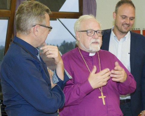 OPPFORDRING: Biskop Atle Sommerfeldt oppfordrer Eidsberg kommune og ordfører Erik Unaas til å ta imot sin andel av flyktningene.