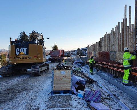 DYRERE: Det nye fortauet langs Gulsetveien blir dyrere enn planlagt. Nå utvides rammene med åtte millioner kroner. Foto: Bypakke Grenland