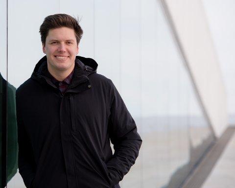 VITENSKAP: Andreas Wahl gjør realfag populært med sine mange stunts og prosjekter gjennom NRK-programmene sine. Lørdag møter du ham på Notodden