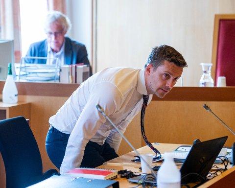 PROSEDYRE: På siste rettsdag fredag innledet partene sine avsluttende prosedyrer i Drammen tingrett. Statsadvokat Andreas Christiansen la ned påstand om 11 års fengsel for den tiltalte.