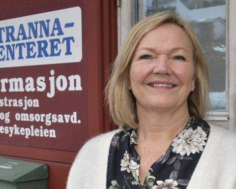 Sektorleder Liv Siljan forteller at det er store bølger i tjenestebehovet både på Strannasenteret og i hjemmesykepleien.