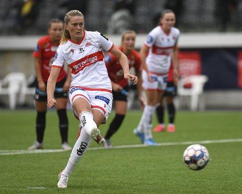 Maria Brochmann kom inn ved pause, og scoret de tre siste da Sandviken slo Åsane 6-0 lørdag. – På papiret har vi nok aldri vært sterkere, sier hun om årets lag.