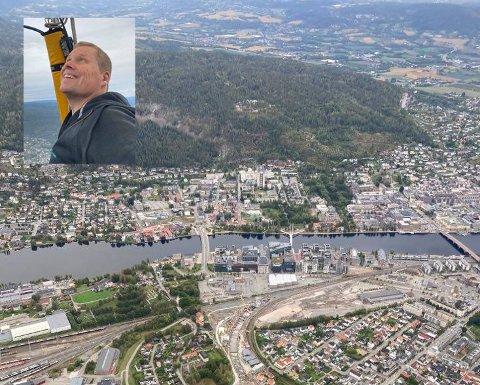 Lørdag fløy Jostein Tangen (innfelt) over Drammen i luftballong. – En utrolig fin tur, forteller han.