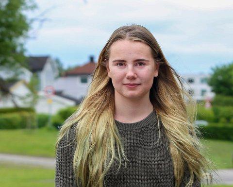 YNGST: Kaja E.M.Y Hilleren (19) sitter i kommunestyret og representerer Sv.