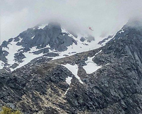 FALLULYKKE: En kvinne i 60-årene omkom i en fallulykke på Higravtinden i Lofoten lørdag.