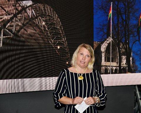 KRITISK: Elin Tvete (Sp) mener at NRK burde ventet med å omorganisere distriktskontorene.