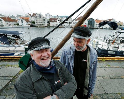 HUMØR: Smilet er aldri langt unna hos Havnedagenes Tor Otto Nilsen og Thor Solberg Stensen. De gleder seg til midten av august.