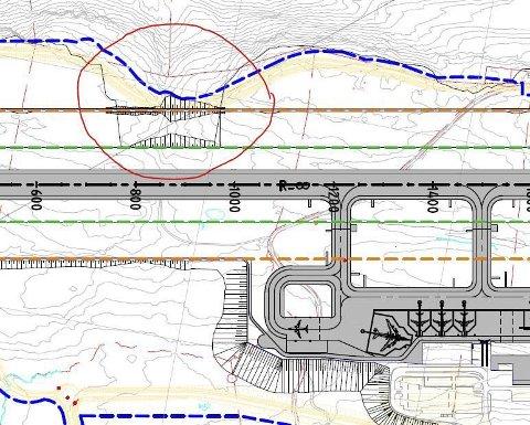 Billig: Å fy lle igjen et dalsøkk i sikkerhetssonen til rullebanen er ekstremt billig sammenliknet med totalprisen for lufthavnprosjektet på Hauan. Skisse: Avinor