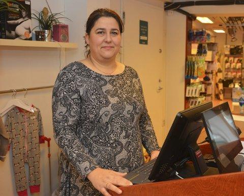 Tyveri: Sarah Iversen i butikken «Alt på stell» ble frastjålet flere tusen kroner av frekke tyver tirsdag.
