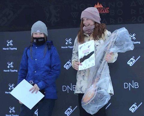 ANDREPLASS: Thea C. Rue (t.v.) ble nummer to i yngre juniorklassen. Geilojenta Kamilla Espeli Olsen vant.