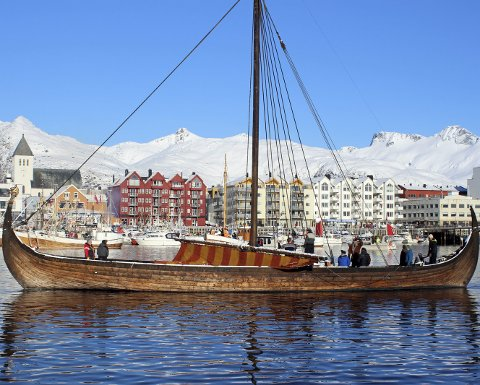 Viking: «Lofotr» fra Borg på besøk i Svolvær under VM i skreifiske. ¬ Foto: Karl M. Johansen