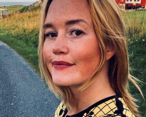 Maren Saedi fra Lillehammer har tidligere bodd på Myken og er ikke fremmed for å ta del i samferdselsbråk. Hun er frustrert og oppgitt over rutekuttene i Træna.