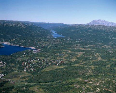 SKINNARBU: Luftfoto Skinnarbu-området med Møsvann og Skarfossdammen (arkivfoto Åsmund Tynning)
