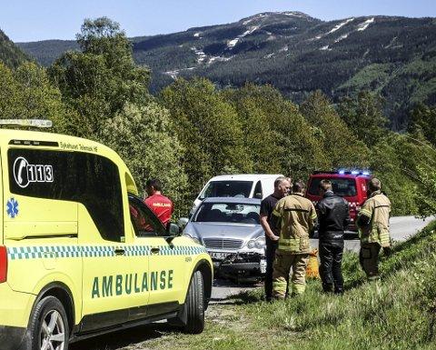 ULYKKER: Siden 1993 er 17 drept og 44 hardt skadd i trafikken i Tinn. Her fra en ulykke på Svadde i 2019 mellom motorsykkel og bil. Heldigvis slapp MC-føreren fra denne ulykken med kun lettere skader.