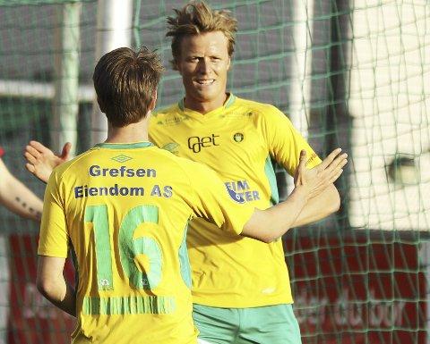 MÅLSCORERE: Andreas Aalbu og Kristoffer Ødemarksbakken (med ryggen til) snudde kampen for Kisa.FOTO: ARKIV