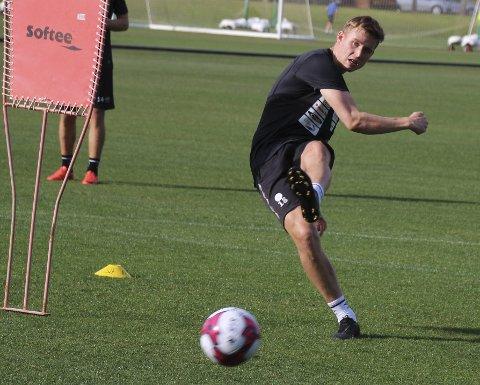 Fant hjørnet: Andreas Hellum scorer masse på trening. Nå fikk han uttellingen også i kamp. Foto: Per Morten Sødal
