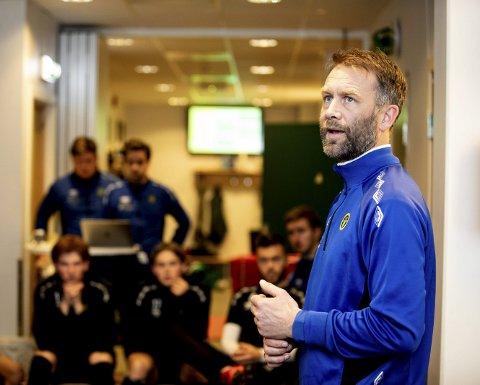 SER MULIGHETER: Ull/Kisa-trener Trond Fredriksen mener hans mannskap ikke er sjanseløse i cupkampen mot Rosenborg. FOTO: TOM GUSTAVSEN