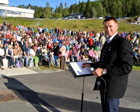 Klare: Rektor Rune Halle sier at de er klare til å ta imot de yngste elevene om litt over ei uke.