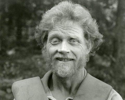 LOMMEKJENT: Christian Nielsen byttet ut breer og topper på Vestlandet med skoger og myrer på Østlandet, men friluftslivet dyrket løypekjøreren like mye. Her fra slutten av 80-tallet.